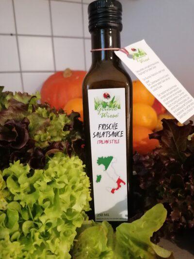 Italian Style von  Salatsaucen Grüne Wiese  mit frisch gehobeltem Parmesan